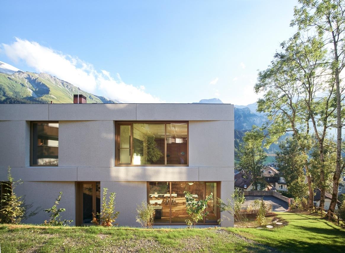 Blick zum neuen Schulhaus «Mühlematt»